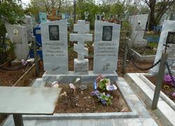 Памятники из мрамора, установленные на могилу