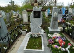 Памятник из мрамора от орен-мрамор