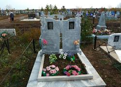 Парное надгробие из мрамора