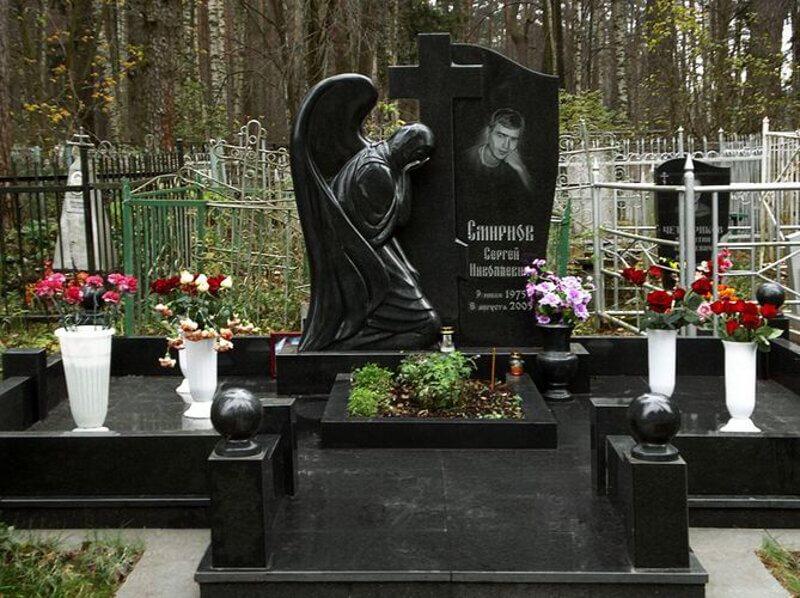 Надгробные памятники мрамора фото цена диабаз каменка днепровская памятники цены