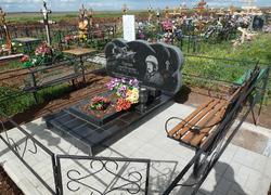 Гранитный семейный памятник