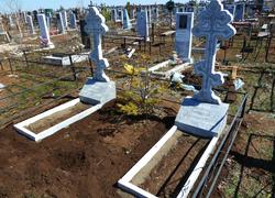 Памятники из мрамора кресты