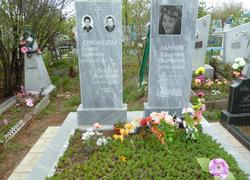 Разные стили памятников из мрамора с фотографией